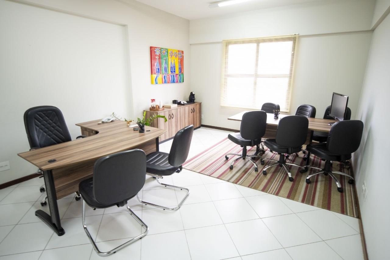 espaço para reunião com projetor